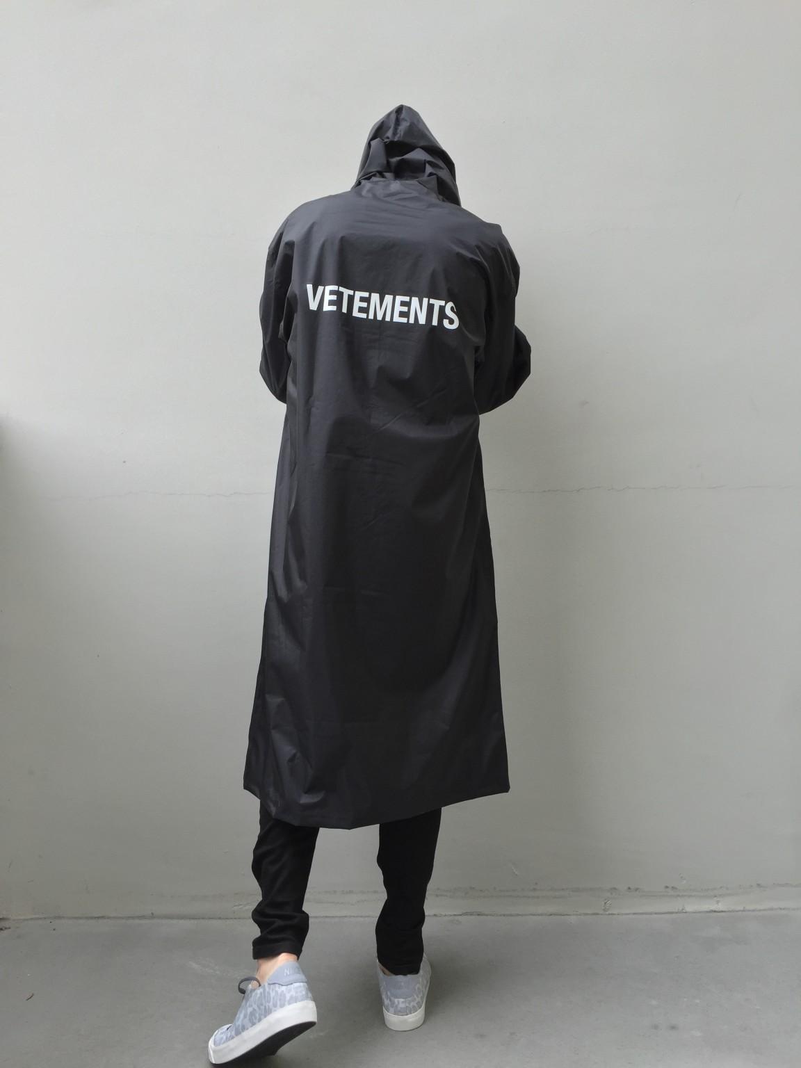 Vetements Raincoat Hommeschool